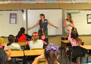 Vanessa talks to a class of sixth grade girls at Havasupai Elementary about the High Heel program. Jillian Danielson/RiverScene