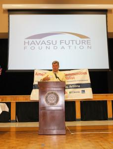Doug Traub speaks to community leaders at Vision 20/20 Town Hall Meeting. Jillian Danielson/RiverScene