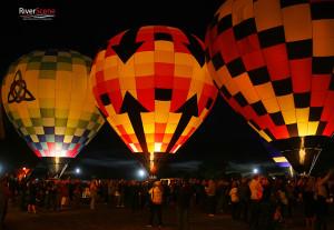 Bottom's Up balloon (center) will be returning to the 2016 Havasu Balloon Festival. Jillian Danielson/RiverScene