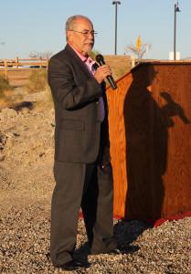 Mayor Mark Nexsen speaks to the crowd Wednesday morning at the ground breaking. Jillian Danielson/RiverScene