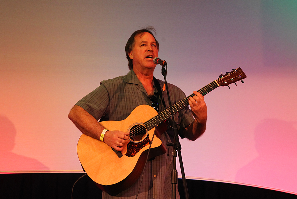Noel Gronde performs at the 2016 Songwriters Festival. Jillian Danielson/RIverScene