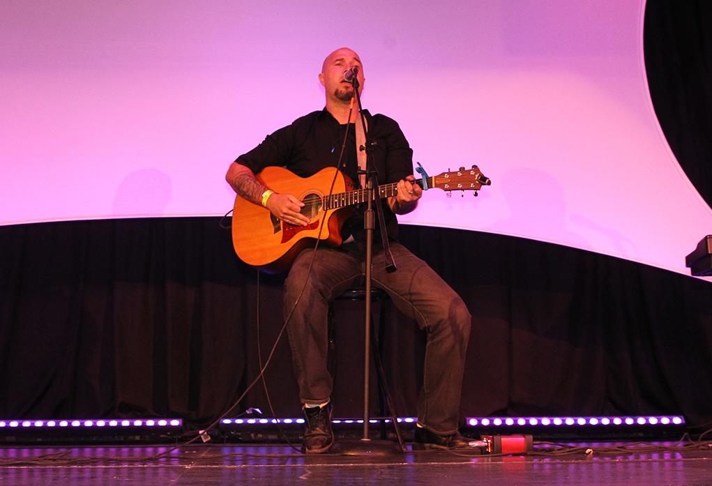Michael Alynn Prince performs at the 2016 Songwriters Festival. Jillian Danielson/RIverScene