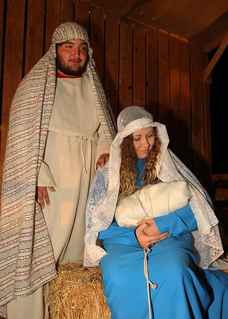 Brandon Berlant And Danelle Tamayo Pose For A Photo As Mary And Joseph In  The Live