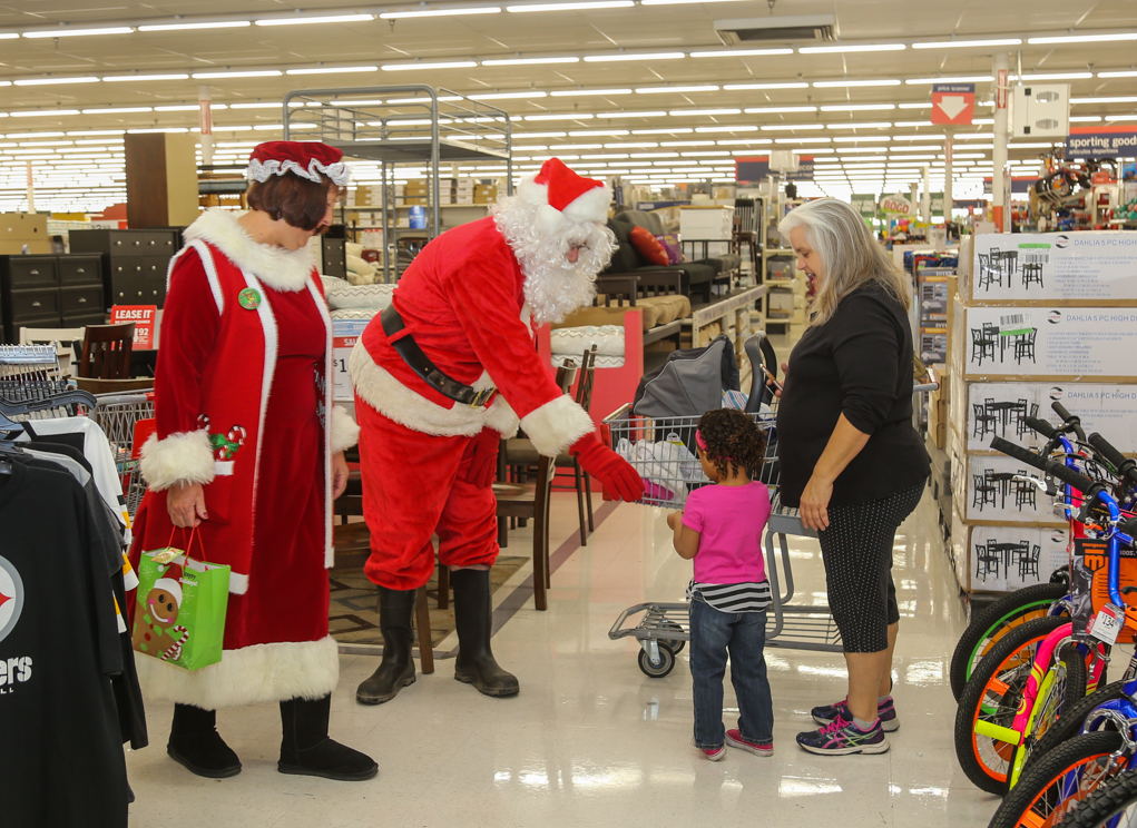 Elks And Masons Join To 'Clothe A Child' This Christmas Season