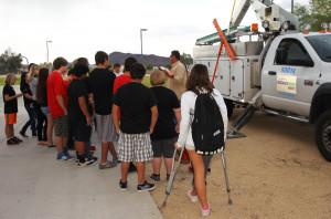 Mike Suminski of Unisource speaks to 8th graders Thursday morning at Thunderbolt Middle School. Jillian Danielson/RiverScene
