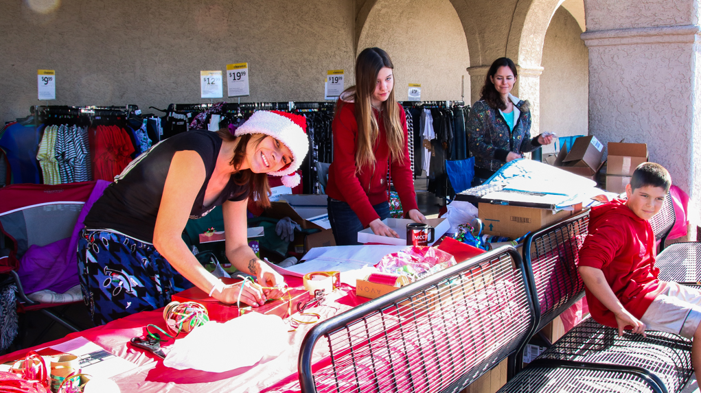 Students Wrap Themselves Around Fundraising