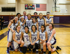 LHHS JV team poses for a group photo Friday evening. Rick Powell/RiverScene