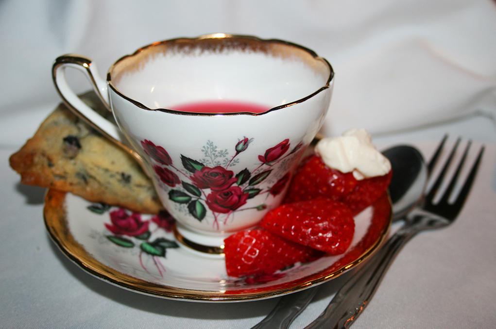 20th Queen's Tea Set For  Feb. 28