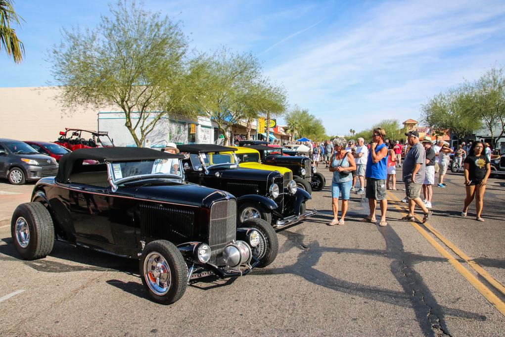 '32 Deuces Line Main Street For Car Show