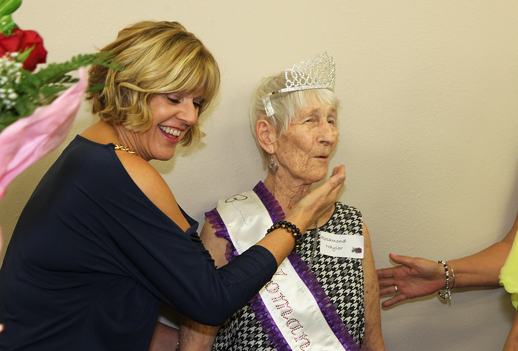 Roz Naylor Receives Woman Of The Year Award