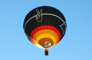 "Gary Moore's ""TimePeace"" flies over Lake Havasu Thursday morning. Jillian Danielson/RiverScene"