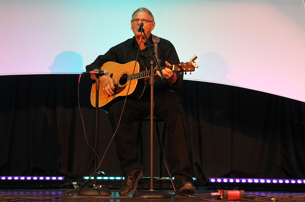 Marvin Huenink performs at the 2016 Songwriters Festival. Jillian Danielson/RIverScene