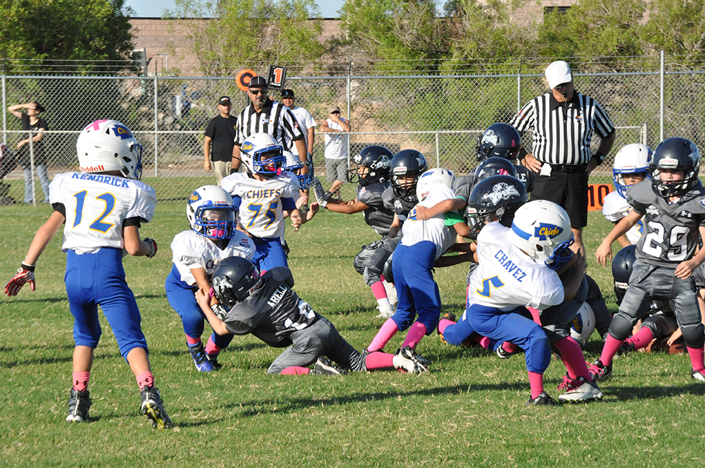 Tiny Mites And Mighty Mites Play Last Home Game Saturday