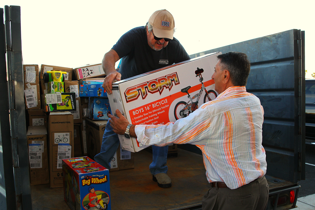 Speedway Raises $8,300 For Toys For Tots