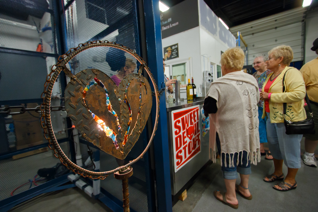 Annual Art Auction – Photo Gallery