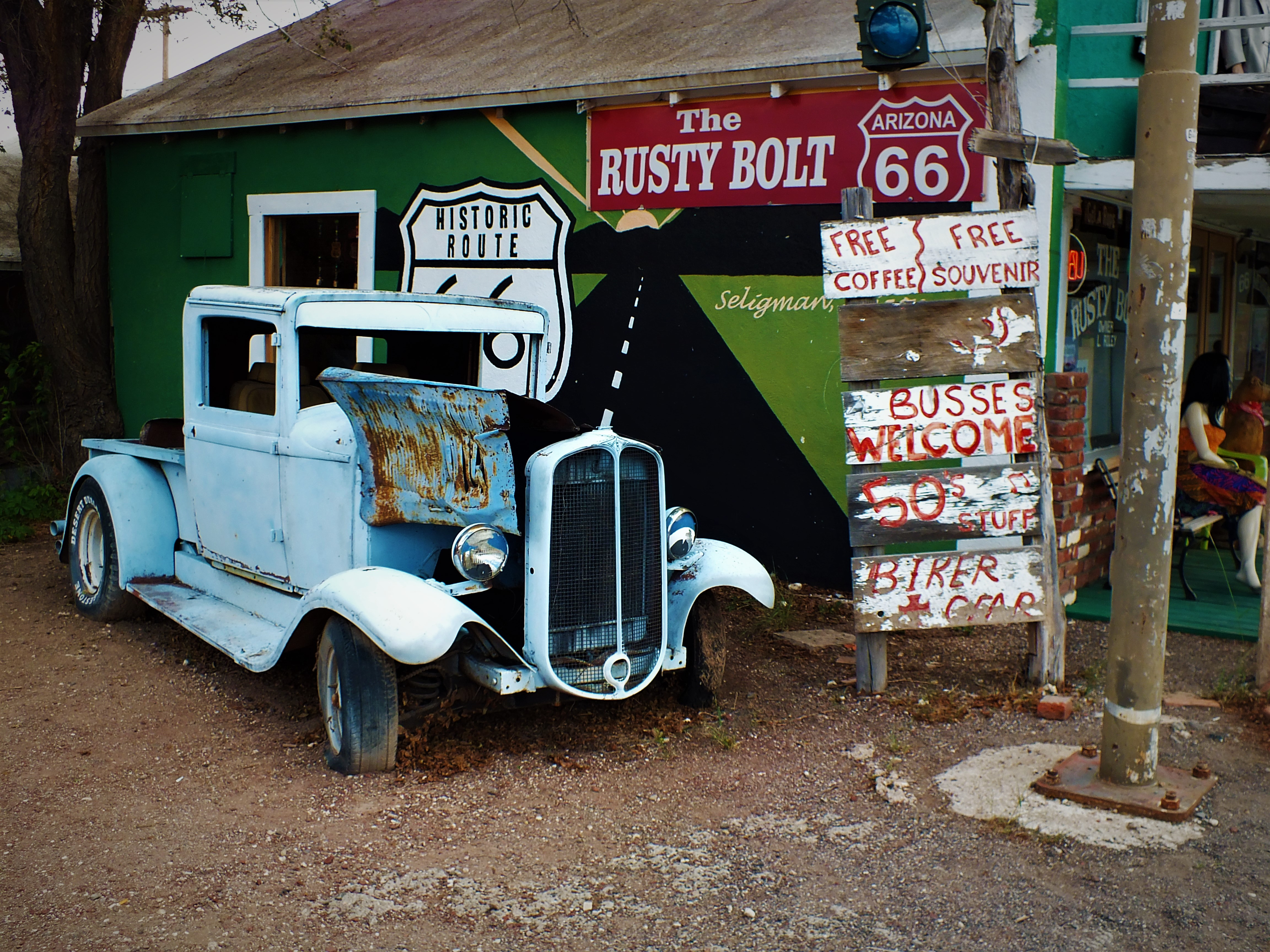 Day Trippin: Seligman and Historic Route 66