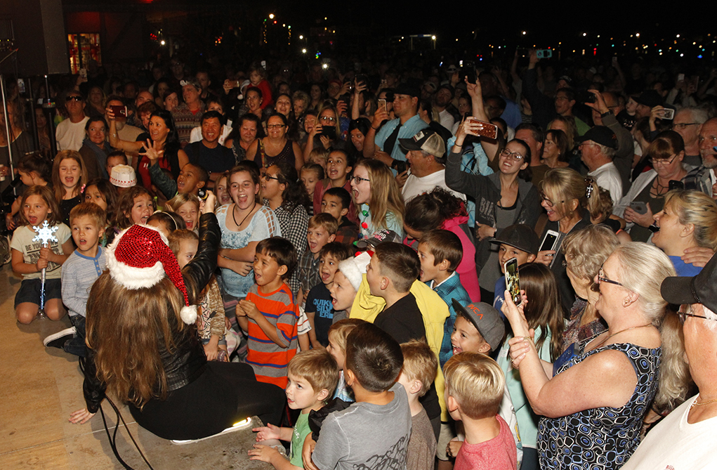 Lake Havasu City Flips The Switch For The Festival Of Lights