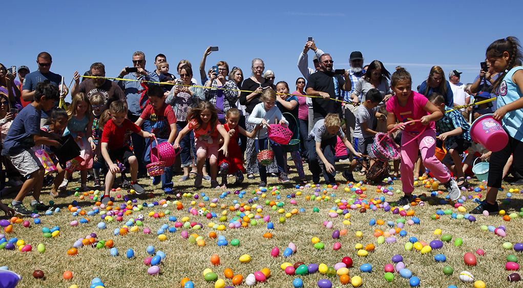 Easter Bunny Comes Early To Lake Havasu City