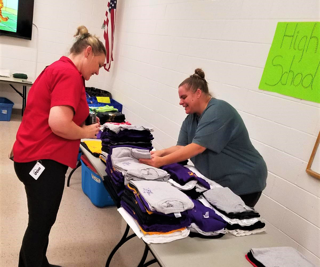 Pay-It-Forward Havasu Lends A Hand To School Children In Need