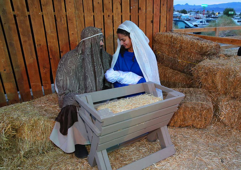 Christmas Spirit Abounds In Lake Havasu City