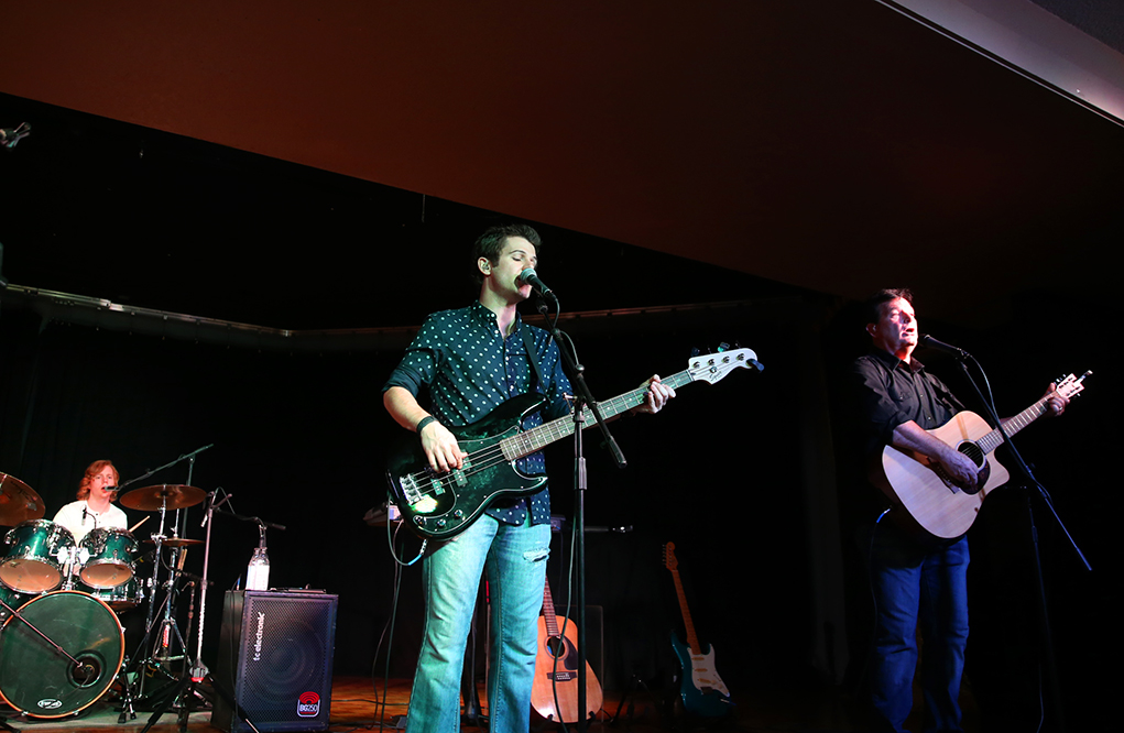 desparado eagles tribute riverscene news