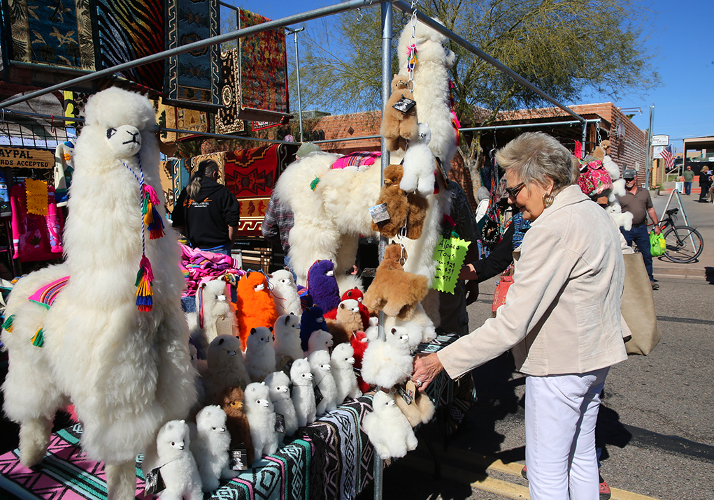 Cool Weather, Cooler Vendors: Unique Vendors Sparkle At Havasu Winterfest