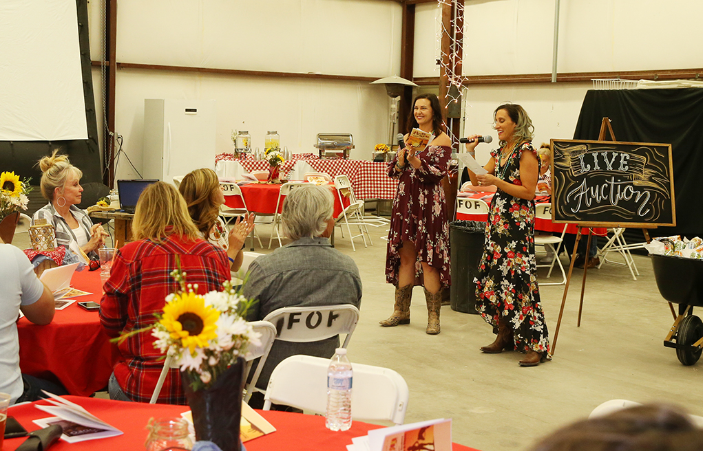 Milemarkers Therapy Hosts Boot Scootin' Boogie Days