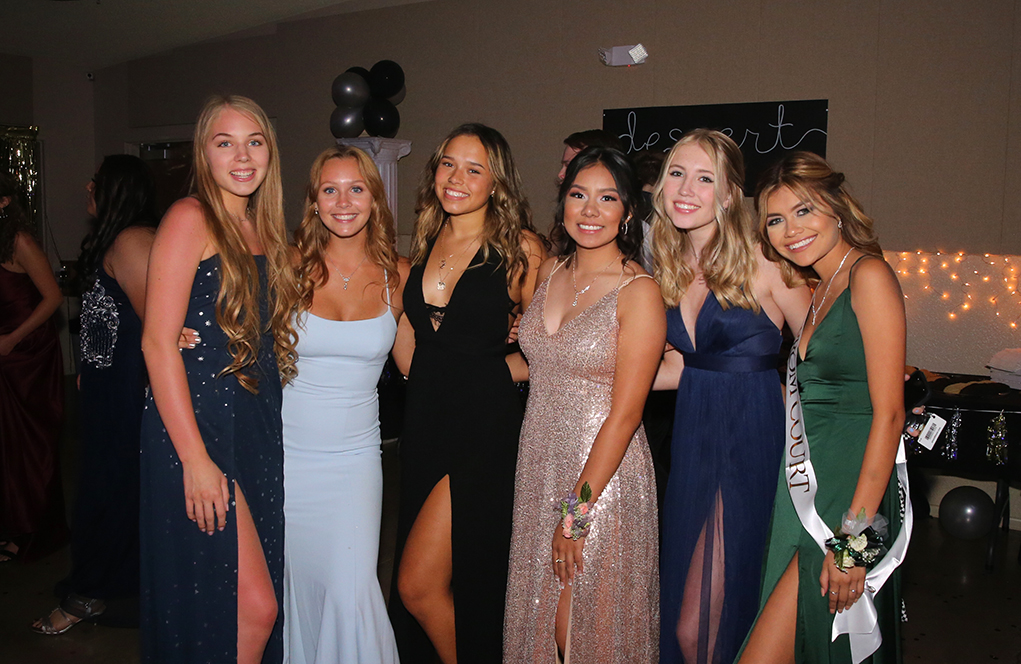 Parents Host Prom For Juniors and Seniors