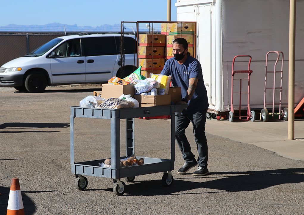 Lake Havasu City Community Helpers Ready For Difficult Thanksgiving