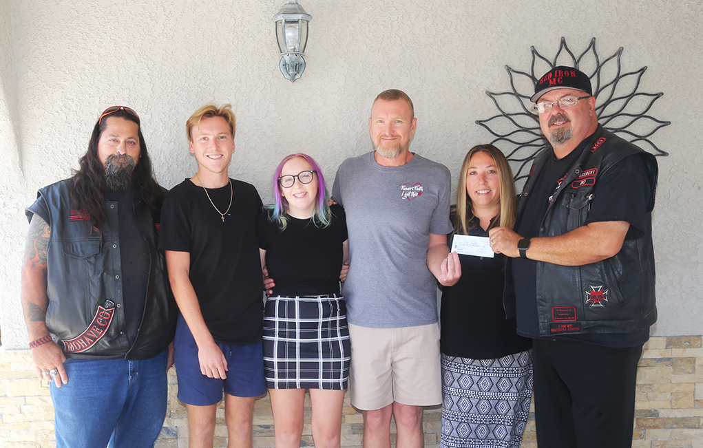 Red Iron Motorcycle Club Brightens The Day Of Local Family